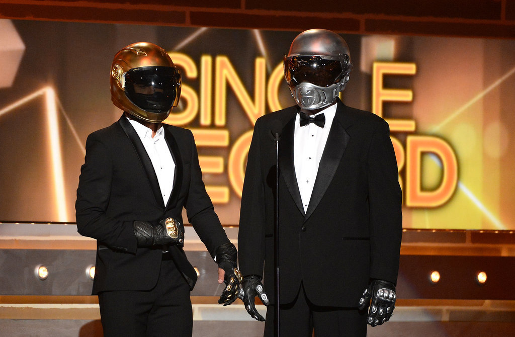 Hosts Blake Shelton and Luke Bryan dressed up as Daft Punk.