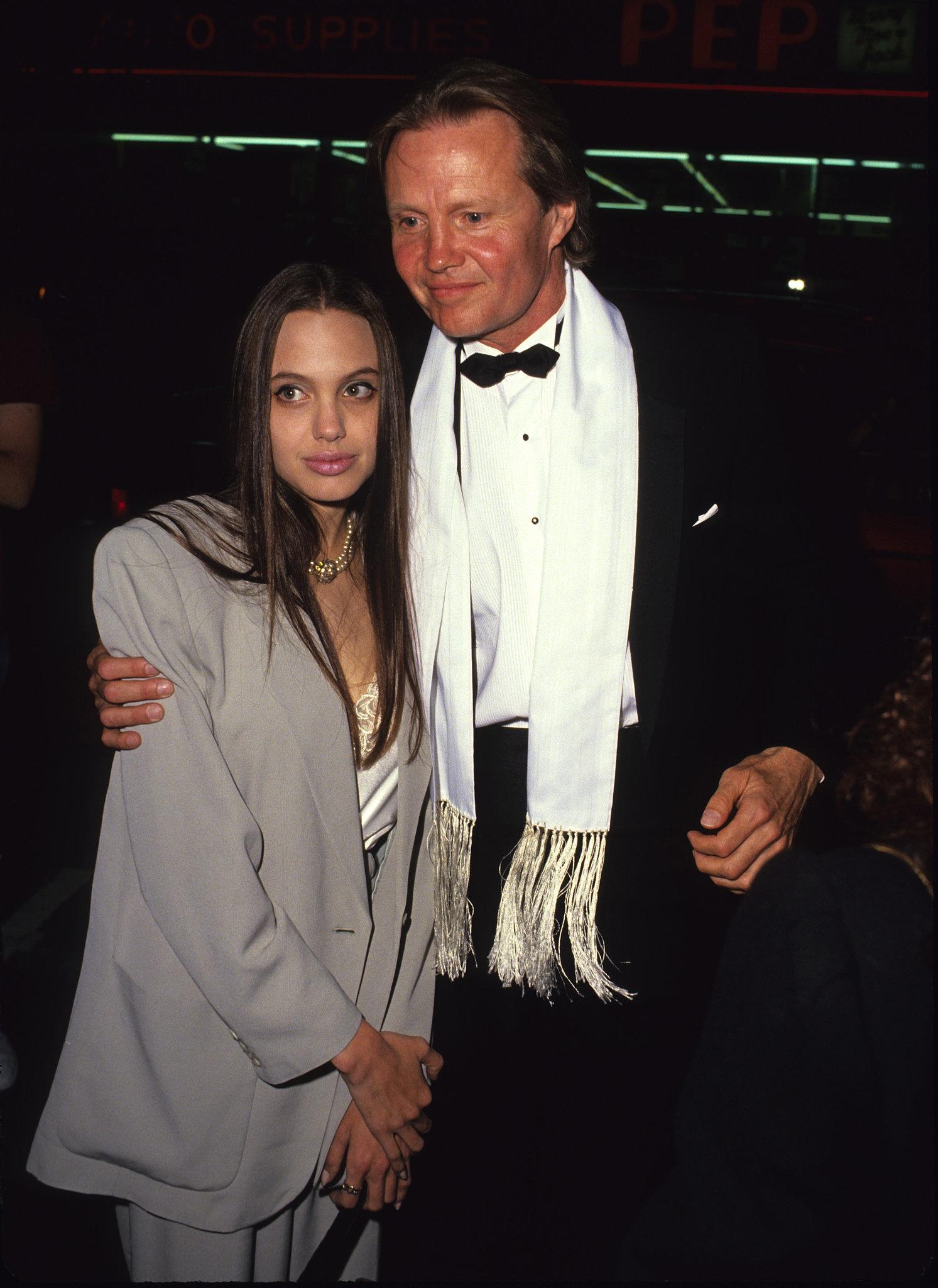Angelina Jolie, 1990