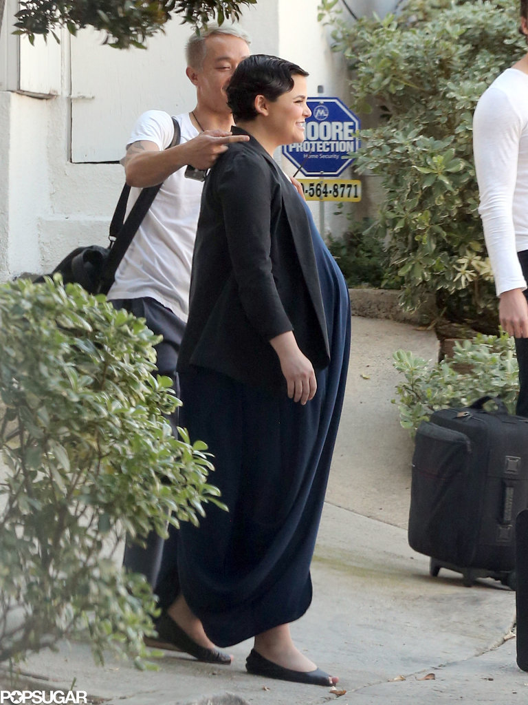 Ginnifer showed off her baby bump before heading into the wedding.