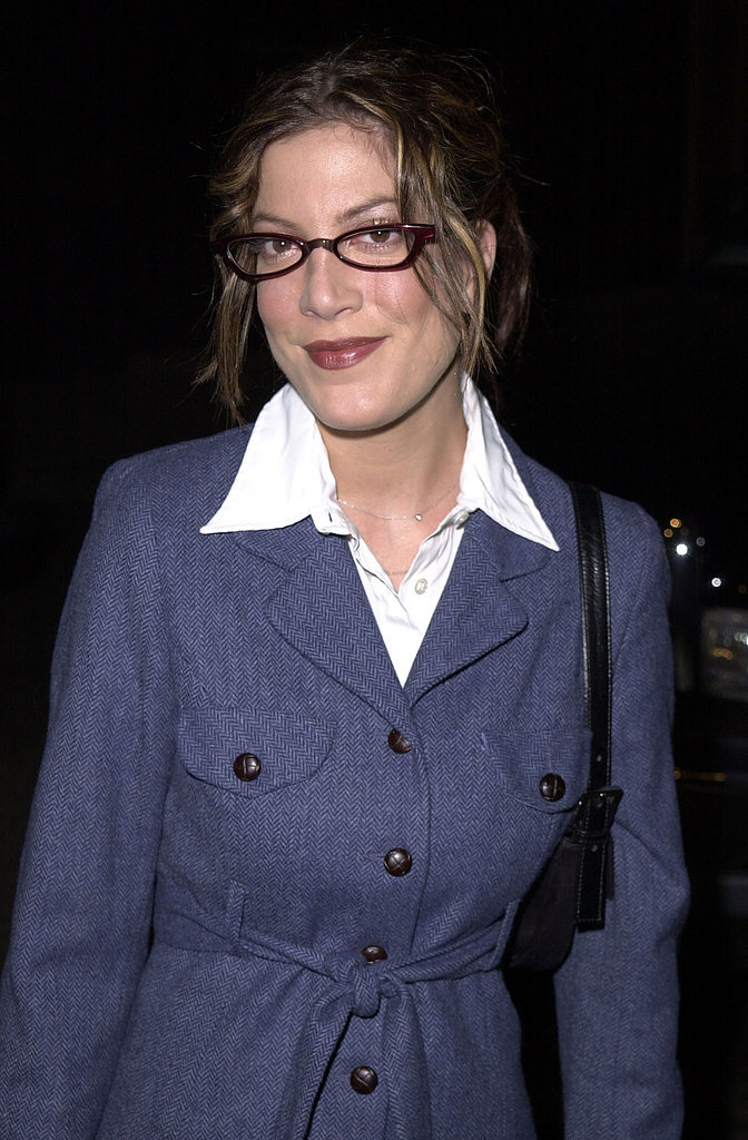 2000: 90210 Came to an End, So She Tried Out This Smart Look