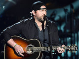 Lee Brice Shares His Own Wedding Footage In Video for 'I Don't Dance'