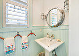 Budget Bathroom Beautifiers (8 photos)