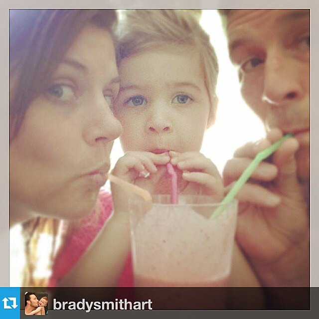 Tiffani Thiessen, Harper Smith, and Brady Smith all enjoyed sipping a smoothie together. Source: Instagram user tathiessen
