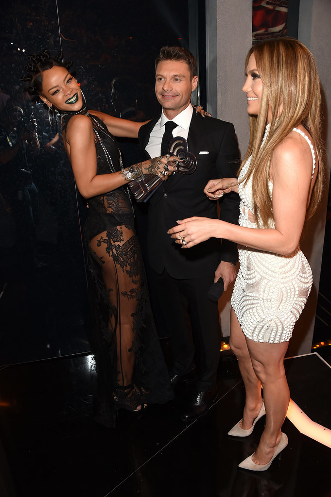 Rihanna, Ryan Seacrest, and Jennifer Lopez shared a jovial moment at the star-studded iHeartRadio Music Awards in LA on Thursday.