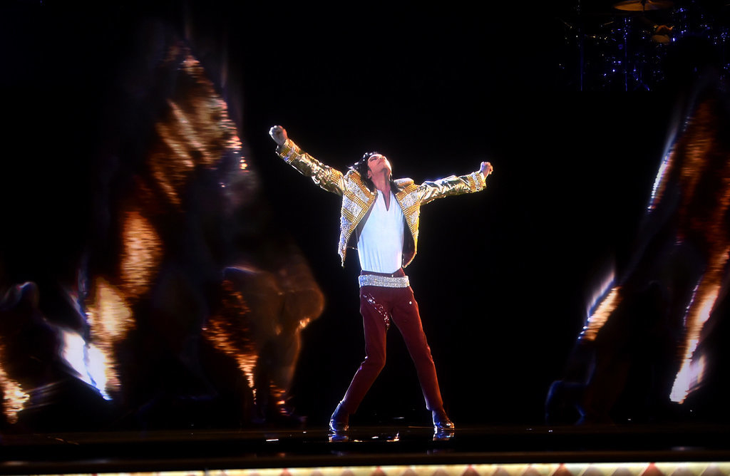 Hologram Michael Jackson Appears at Awards Show, Molests 3 Hologram Children