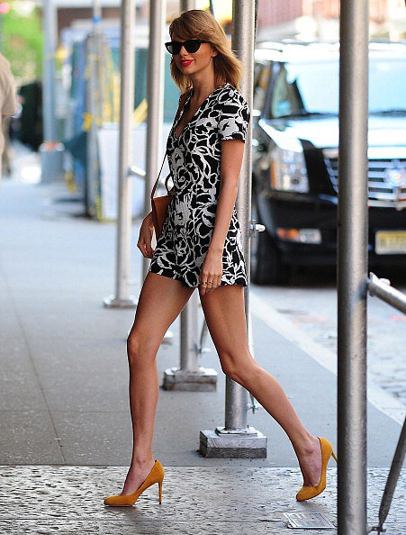 We nearly gasped when we saw Taylor's outfit — a cool, confident look that's guaranteed to illicit compliments from girls and guys. The romper's playful, but the length is downright sexy, especially paired with leg-elongating pumps. Plus, when you wear a romper or jumpsuit, you don't have to think about much else — it&#039