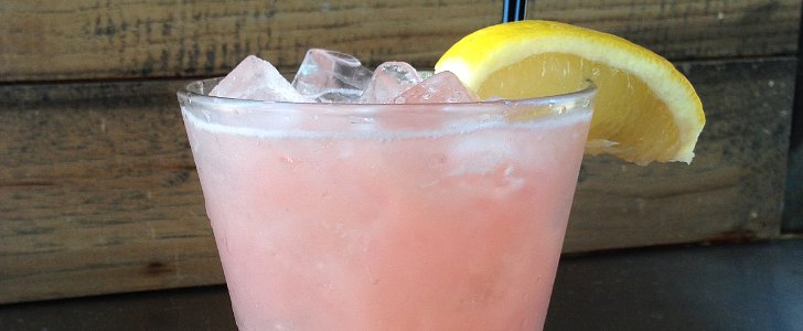 A Low-Calorie Rhubarb Cocktail For Your Next Summer Soiree