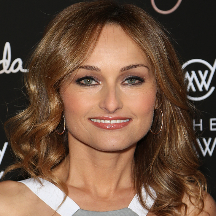 giada de laurentiis essay Giada de laurentiis is opening up about her life post-divorce the chef and author of the new cookbook happy cooking stopped by people now where she.
