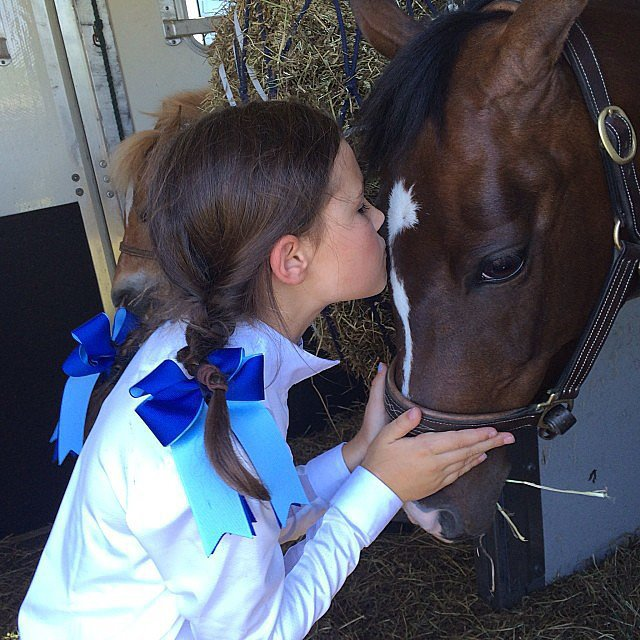 Grace Burns enjoyed a day with her horse. Source: Instagram user cturlington