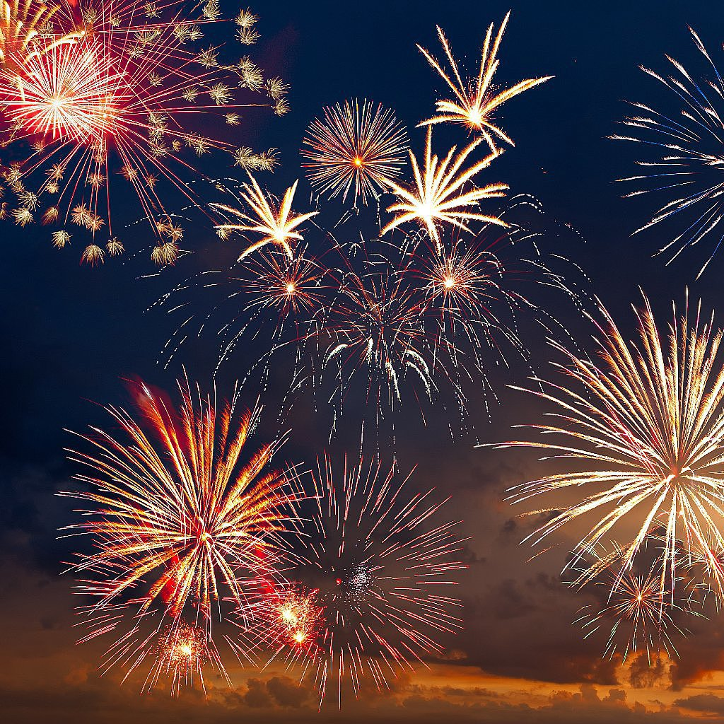 The Fourth of July is marked with parades, fireworks, grilled food, and friends, but it's really a celebration of independence. Take a moment to consider your own independence, in the financial sense. Getting there doesn't happen in a snap — take the smoothest path by checking off all of these six steps, direct from POPSUGAR Smart Living.