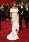 Cameron Diaz attended the 79th Academy Awards in 2007 in an elegant (almost bridal) Valentino number.