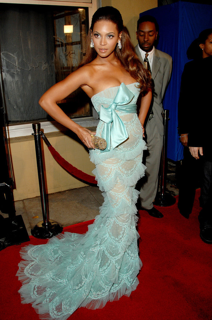 From vintage Kim Kardashian to vintage Queen Bey — she rocked this sensational Elie Saab lace dress to the Dreamgirls Los Angeles premiere back in 2006.