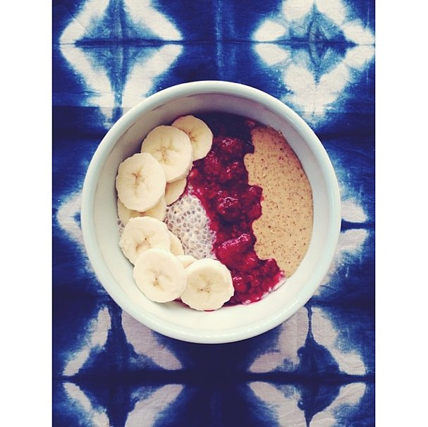 Two food trends might be better than one! This bowl contains the fiber-rich goodness of both chia pudding and overnight oats.  Source: Instagram user erinlee_thompson