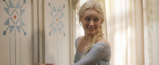 Elsa Has Arrived! Official Pictures of Frozen on Once Upon a Time Are Here