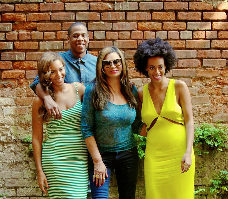 Source: Tumblr user Beyoncé Knowles  May 17: Beyoncé shared family snaps on her personal blog of herself, Jay Z, Solange, and her mother,