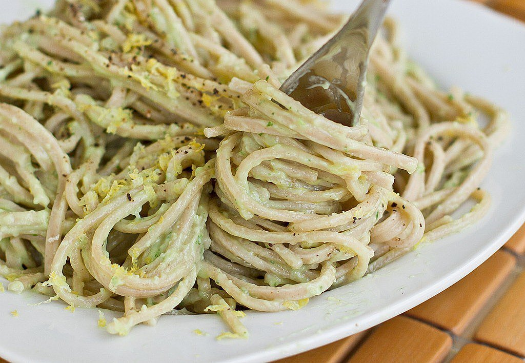 Creamy Avocado Pasta Sauce | 15 Avocado-Inspired Lunch Ideas ...