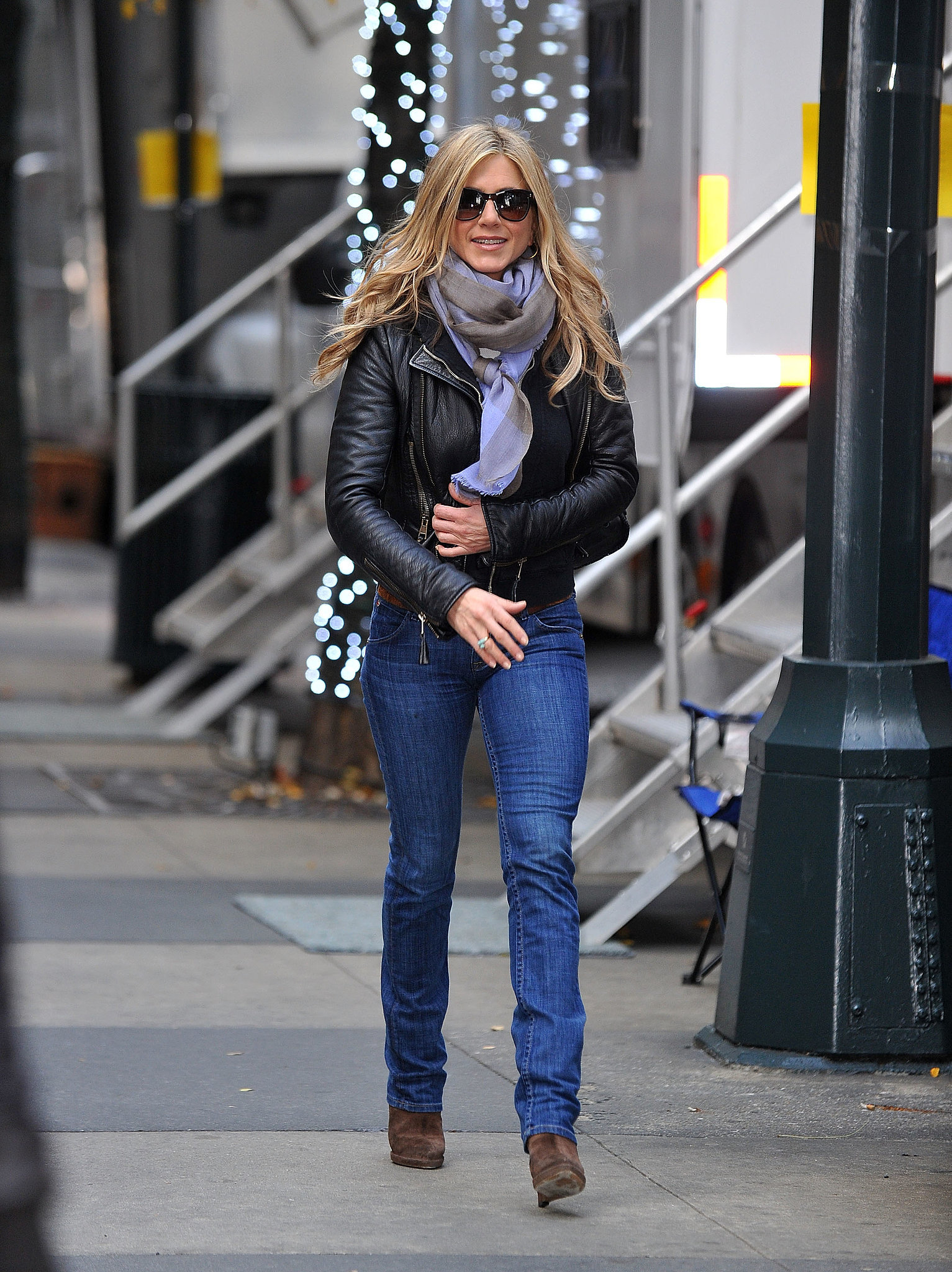 Jennifer aniston 39 s street style so this is the secret to Jennifer aniston fashion style pictures