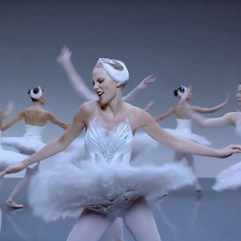 GIFs of Taylor Swift's New Song Shake It Off Video Clip