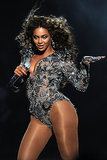 """2009: Beyoncé gave a truly jaw-dropping performance of """"Single Ladies (Put a Ring on It)"""" on the VMAs stage."""