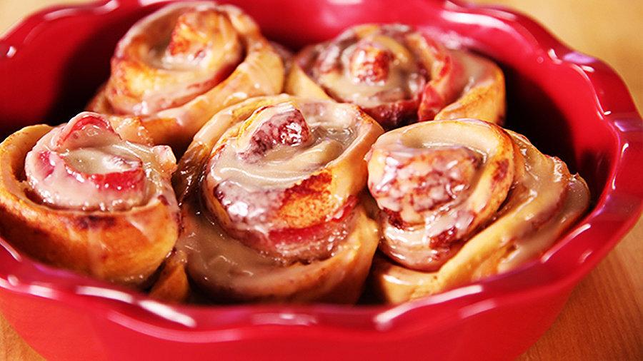 Maple Bacon Cinnamon Rolls