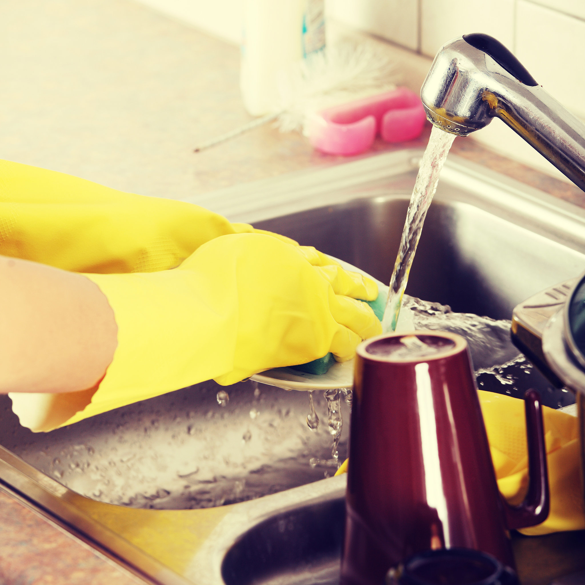 how to clean your kitchen fast