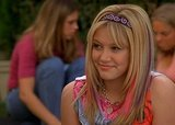 Hilary Duff's Willing to Wear Lizzie McGuire Headbands Again