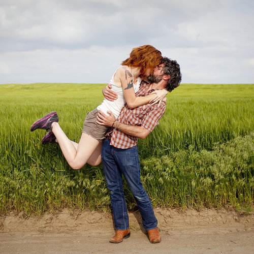 Couple Takes Kissing Photos Around the World
