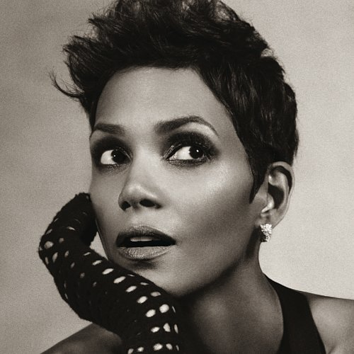 Halle Berry Relaunches Lingerie Line Scandale