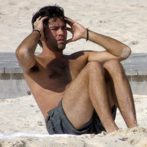 Adrian Grenier Working Out on the Beach | Photos