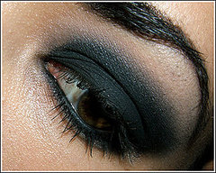 Tutorial:  Perfect Smokey Eye Step by Step