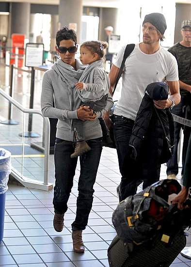 Halle and family at LAX after spending quality time at Disneyland