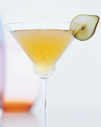 Spiced Rum and Pear Thanksgiving Cocktail Recipe
