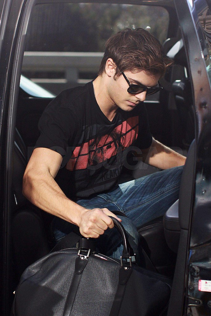 Photos of Zac Efron Leaving Vancouver and Flying into LAX