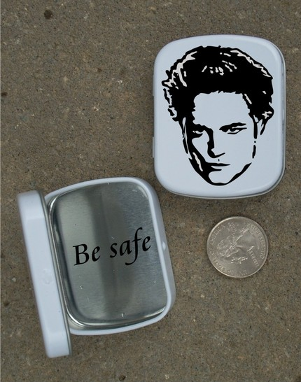 Hide your smallest secrets and keep them safe in this Edward Cullen Pillbox ($4.99).