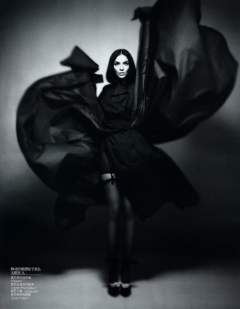 Mariacarla Boscono in Vogue China Demember 2009