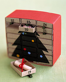 24 matchboxes in this advent calendar make up a miniature set of drawers, which reveal a Christmas tree as they are removed and reversed.