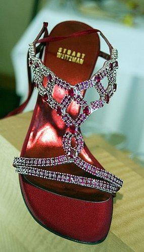2010 Oscars Will Not Have Stuart Weitzman's Million Dollar Shoe Due to Weak Economy 2009-12-21 12:00:08