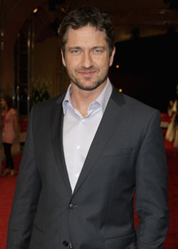 Photos of Gerard Butler Battery Charge Dropped, Gerard Butler Golden Globes Presenter 2010-01-06 01:09:45