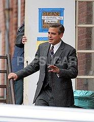 ClooneySuit2