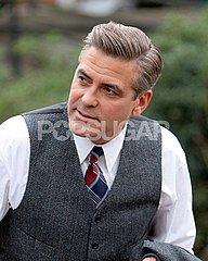 ClooneySuit3