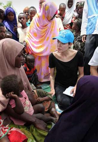 Angelina Jolie visits 'dire' camp for Somali refugees