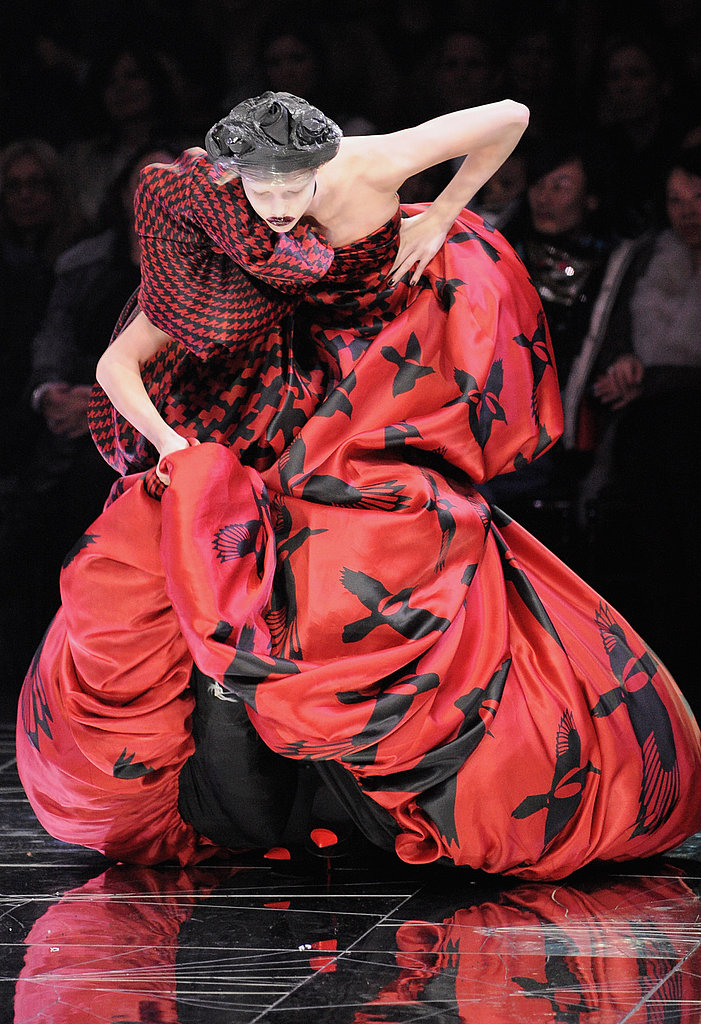 Trippy Shoes: Models Fear Next Step at Alexander McQueen, Tatjana Patitz Wobbles at Hermes