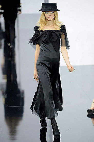 Chanel Fall 2009 Marks a Moss Appearance, Return to the LBD
