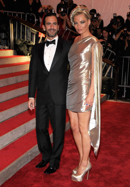 Marc Jacobs and Kate Moss in a dress by the designer and Stephen Jones turban.