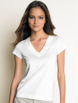 A white cotton t-shirt...