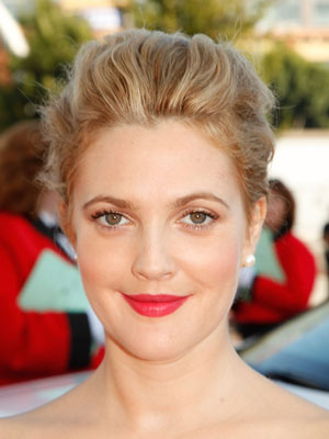 Photo of Drew Barrymore at 2009 Primetime Emmy Awards 2009-09-20 17:31:04