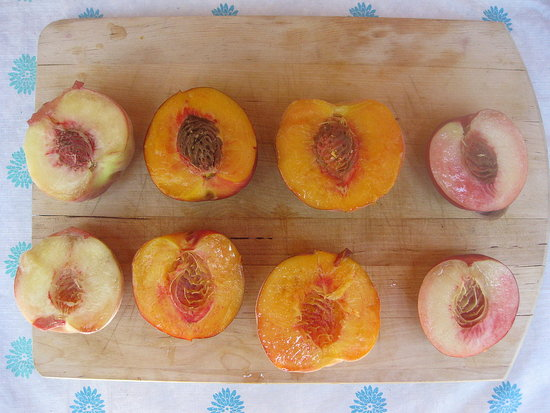 Peach and Nectarine Taste Test