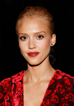 Jessica Alba in Talks to Appear in Little Fockers Alongside Robert DeNiro and Ben Stiller