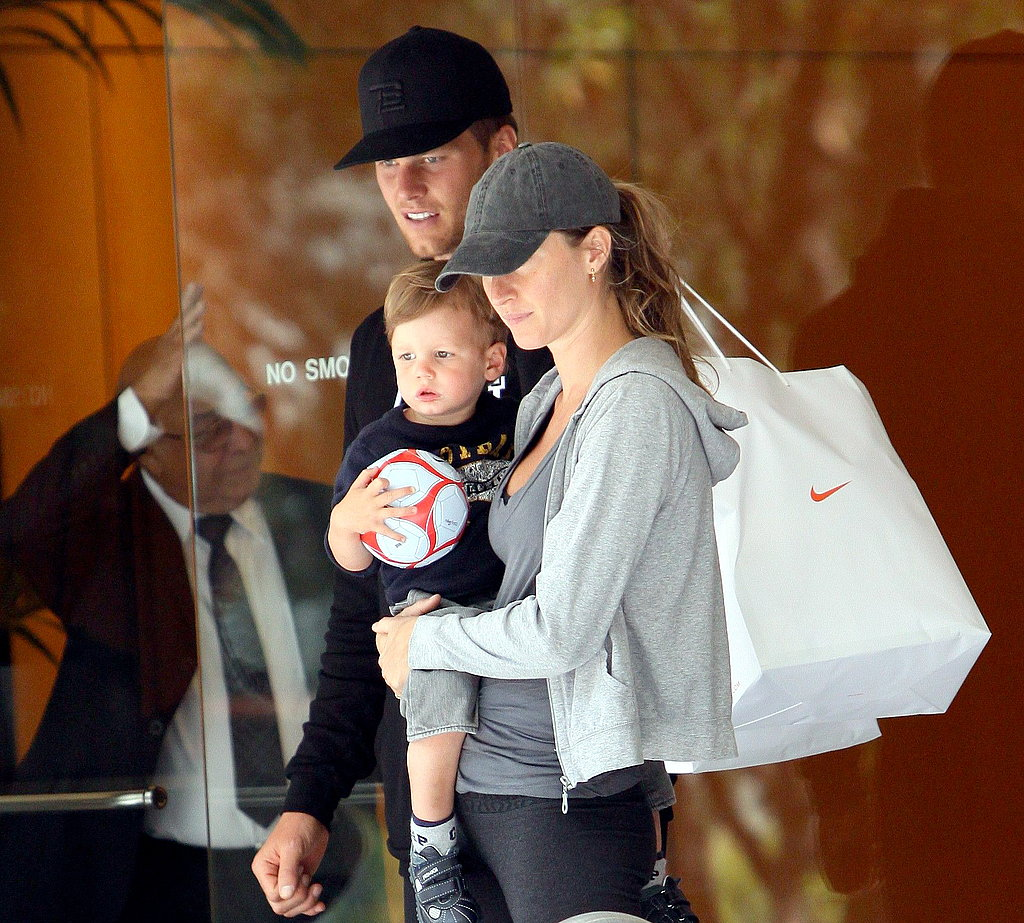 Photos of Gisele and Tom with John at Niketown