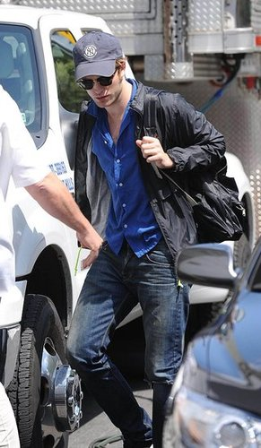 Photos of Robert Pattinson Filming Remember Me in NYC